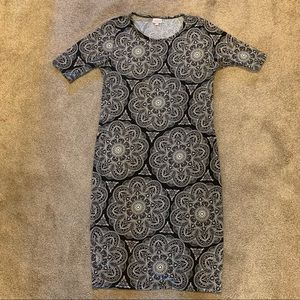 LuLaRoe black and white print Julia Dress